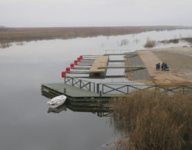 Boat pontoon on Lake Vortsjarv Andry Prodel +372 5304 4000 andry@topmarine.ee