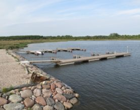 Timber pontoons with concrete floats and booms Lomala Andry Prodel +372 5304 4000 andry@topmarine.ee