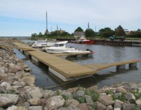 Timber pontoons with concrete floats Purtse Andry Prodel +372 5304 4000 andry@topmarine.ee