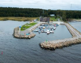 Timber pontoons with concrete floats Võsu Andry Prodel +372 5304 4000 andry@topmarine.ee