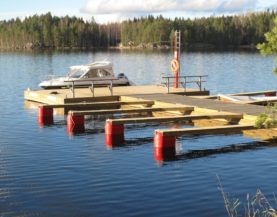 Timber pontoons with concrete floats and booms Rantalinna Andry Prodel +372 5304 4000 andry@topmarine.ee