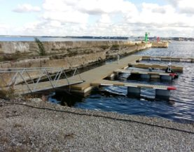 Timber pontoons with concrete floats and booms Tallinn Andry Prodel +372 5304 4000 andry@topmarine.ee