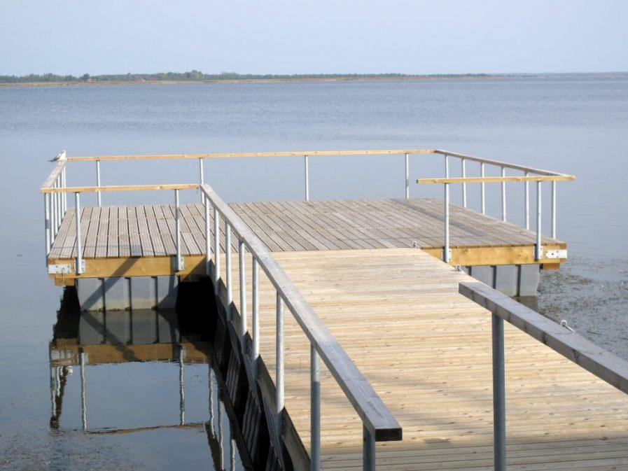 Pontoon boat railings Haapsalu promenaad Andry Prodel +372 5304 4000 andry@topmarine.ee