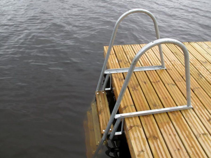 Swimming ladder Kuremaa Andry Prodel +372 5304 4000 andry@topmarine.ee
