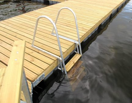Swimming ladder Andry Prodel +372 5304 4000 andry@topmarine.ee
